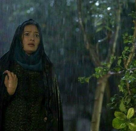 نورگل یشیلچای در فیلم سینمایی جن زیبا با چادر