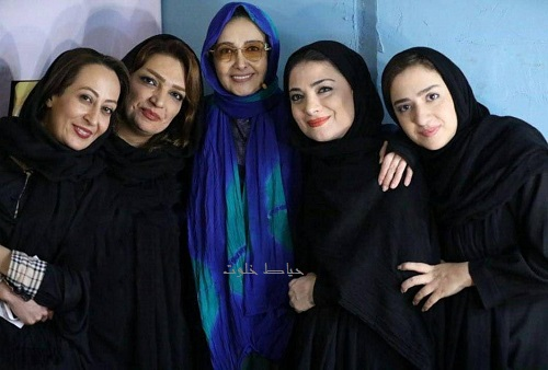 کتایون ریاحی در پشت صحنه برنامه هزار داستان