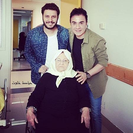 ملاقات جواد عزتی از مادر عمو پورنگ