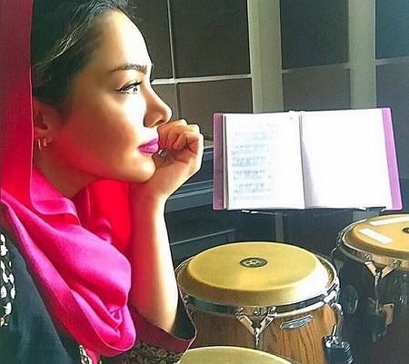 مهرناز دبیرزاده بانوی نوازنده و خواهرش+ تصاویر