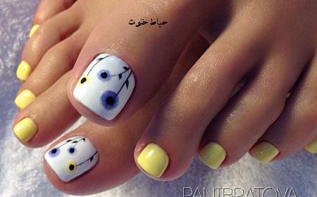طراحی ناخن پا زیبا