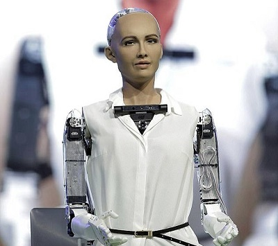 ربات - سوفیا ،ربات شهروند عربستان : دوست دارم بچه دار شوم! + عکس