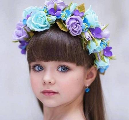 زیباترین دختر جهان 3 - زیباترین دختر جهان با چشمانی خیره کننده