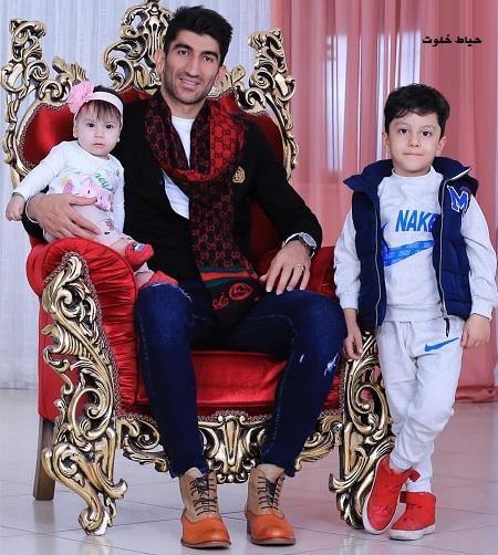 بازیکن محبوب پرسپولیس در کنار فرزندانش+عکس