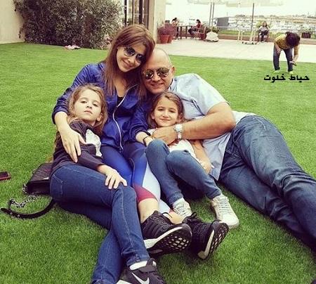 عکس نانسی در کنار دو دختر و همسرش