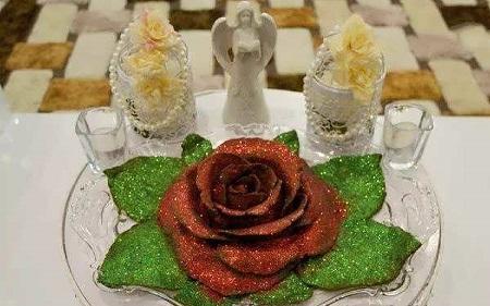 تزیین حنا به شکل گل رز