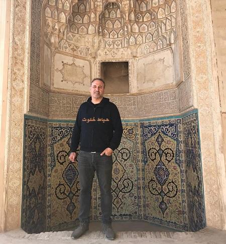 حمید فرخ نژاد در مسجد تاریخی آقا بزرگ کاشان