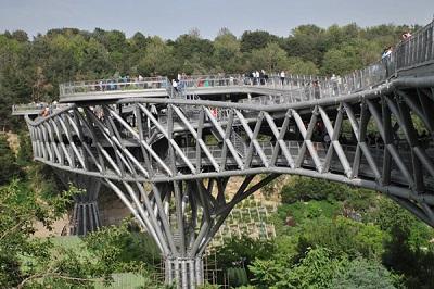 خودکشی از روی پل طبیعت