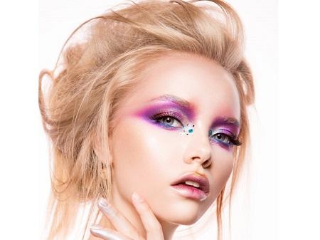 انواع مدل آرایش چشم صورتی