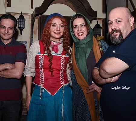 عکس یادگاری نازنین فراهانی و مهناز افشار بعد از نمایش الیور تويیست