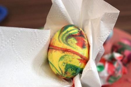 آموزش تصویری رنگ آمیزی تخم مرغ سفره هفت سین