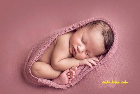 ژست عکس نوزاد در منزل