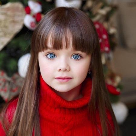 عکس دختر بچه زیبا ، دختر بچه خوشگل برای پروفایل ، دختر چشم آبی