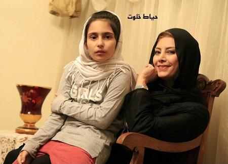 کشف حجاب لادن طباطبایی در شبکه منوتو + علت مهاجرت به آمریکا