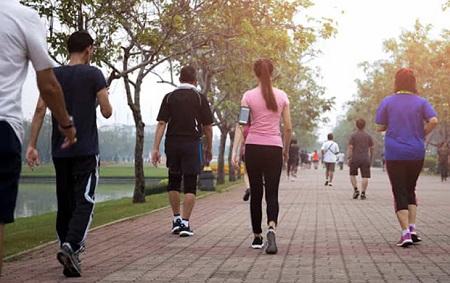 بهترین زمان پیاده روی برای لاغری چه موقع است و چرا؟  