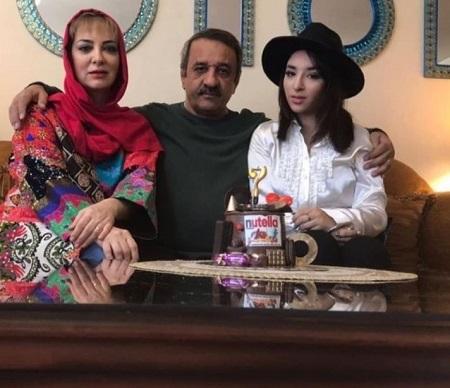 علی اوسیوند و همسر و دخترش