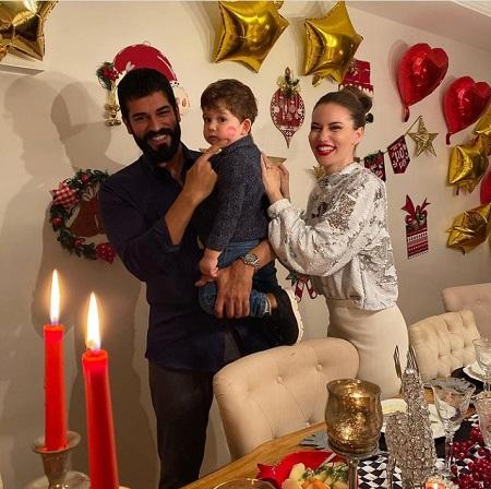 جدیدترین عکس های بوراک اوزچیویت و همسر و فرزندش